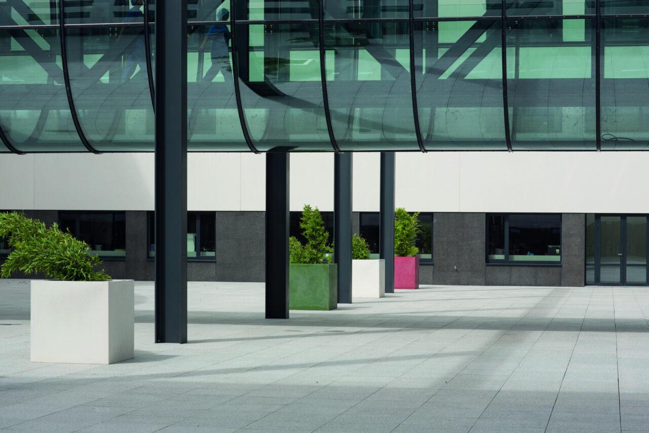 Terras betontegels AZ Damiaan ziekenhuis in Oostende5